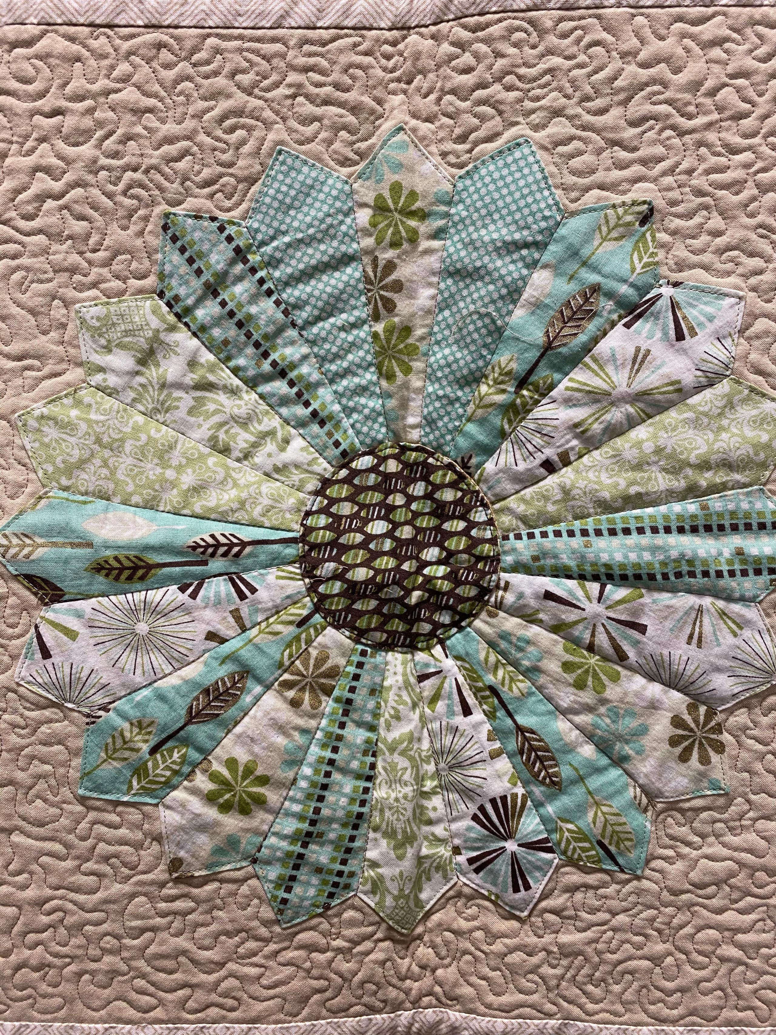 c.Detail quilt front